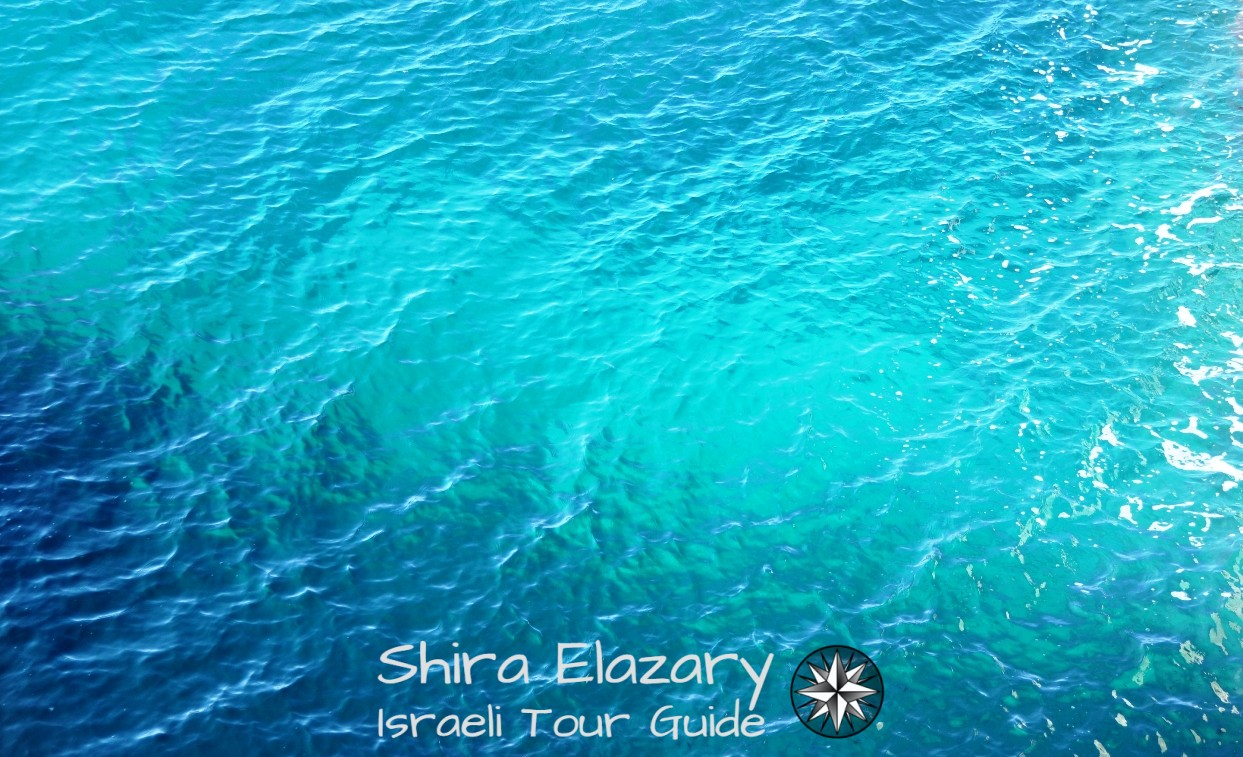 Turquoise sea water at Rosh Hanikra